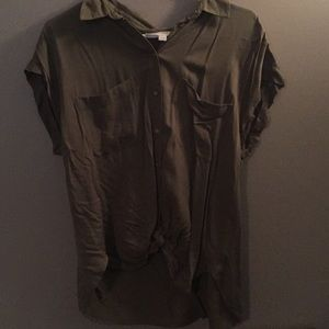 NWT - LOFT Top with twist front